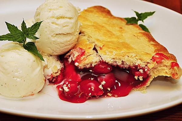 Mmm...cherry_pie_(5190507614)